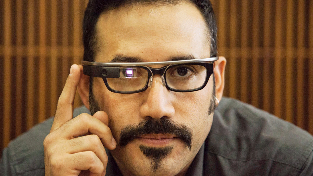 3028476-poster-p-1-j-meet-the-usc-journalism-professor-leading-a-course-on-google-glass